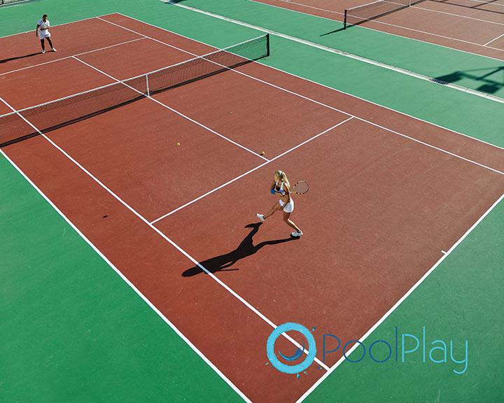 29927705ca9 Las pistas de tenis se diferencian según el tipo de pavimento en el que se  construyan. Existe una superficie adecuada para cada climatología y  necesidad de ...