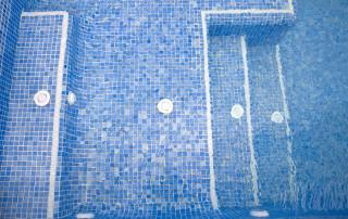 Cómo rejuntar el gresite para piscinas