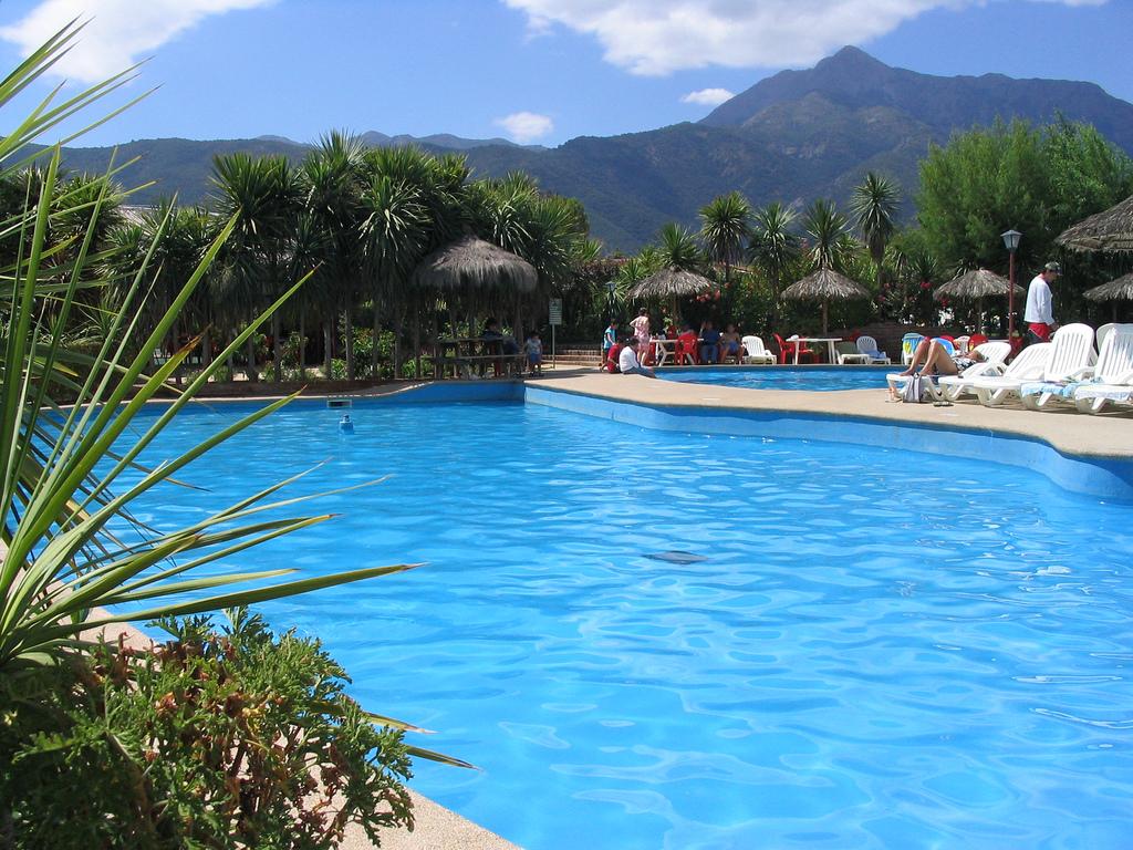 Con qu profundidad construyo mi piscina for Construccion piscinas valencia