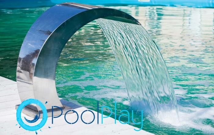 En PoolPlay disponemos de una amplia selección de complementos y juegos para la piscina