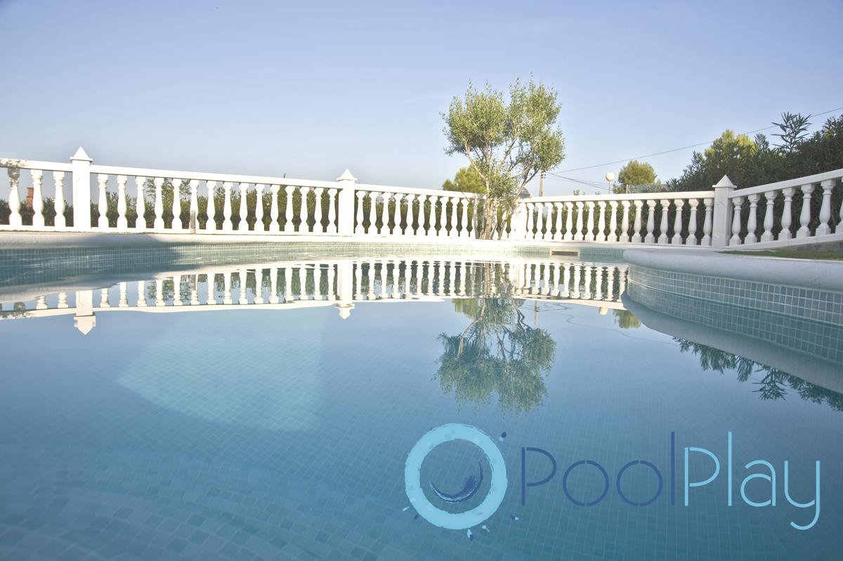 Diferentes contornos para piscinas for Mantenimiento de piscinas
