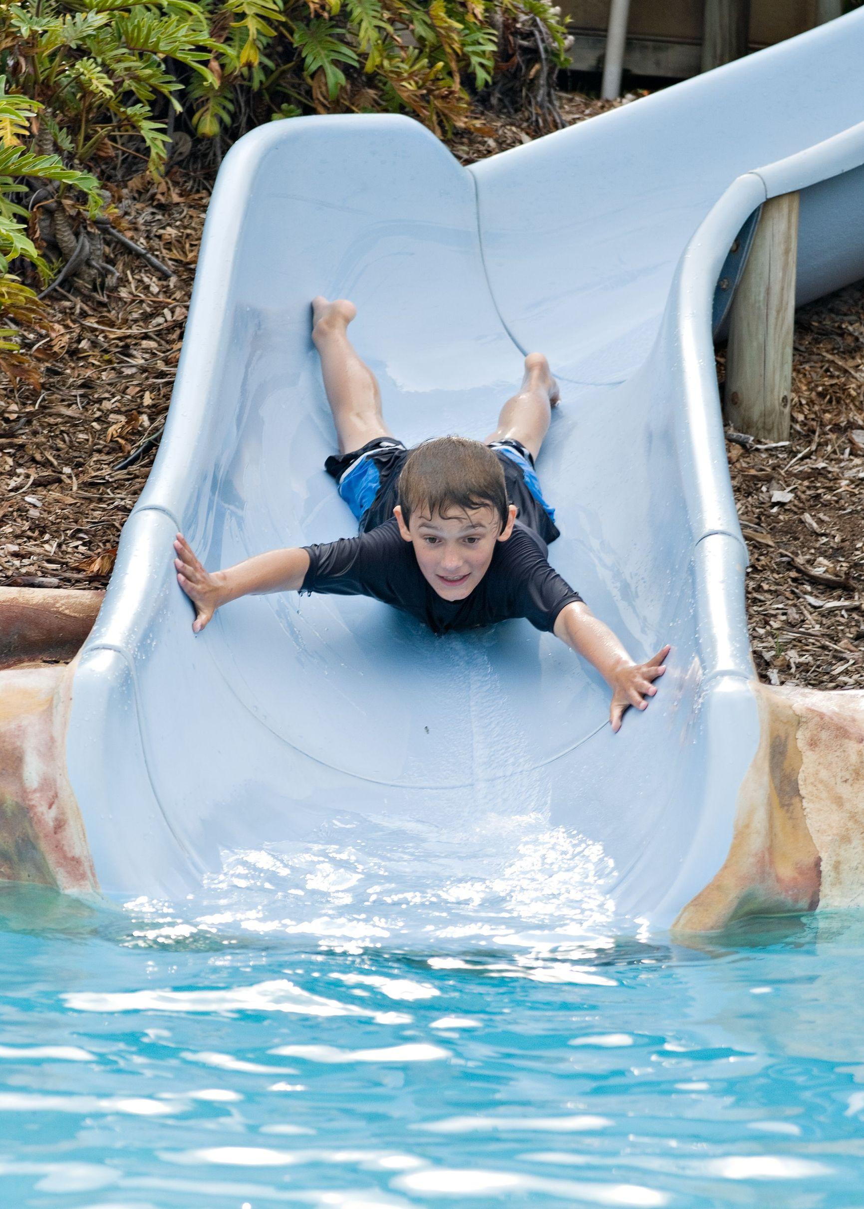 Accesorios y complementos para tener una piscina ideal
