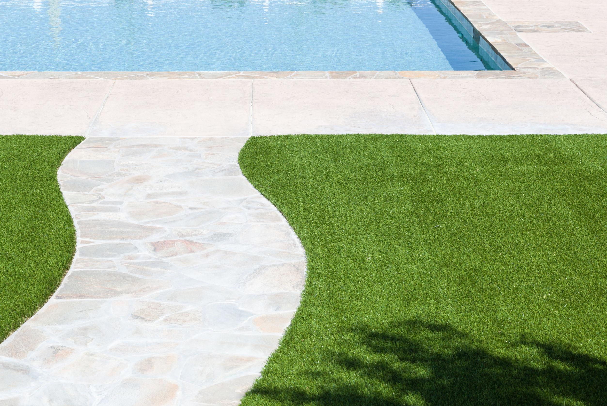 Tipos de césped artificial para tu jardín