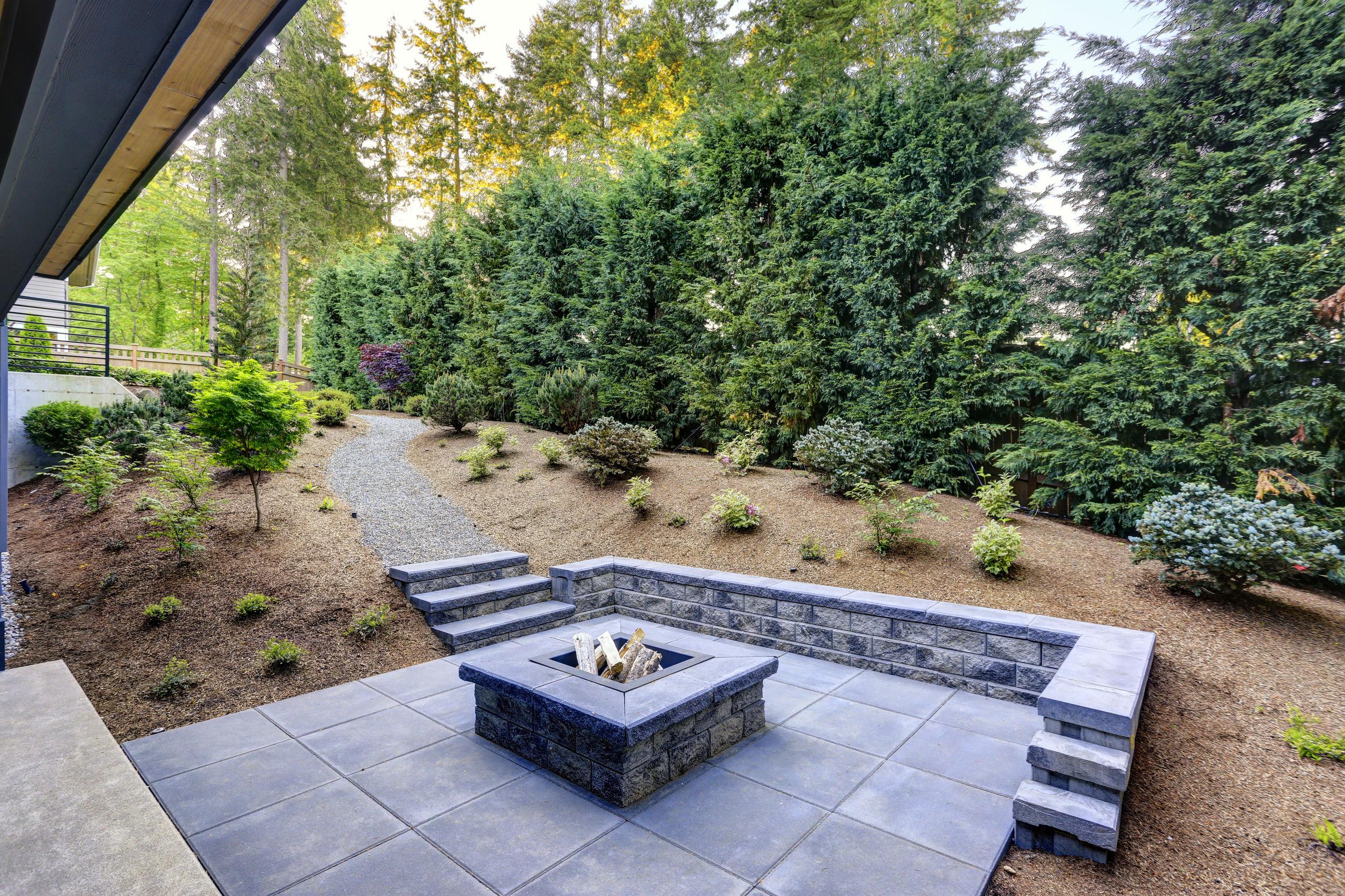 Soluciones duraderas para exteriores, piscina y jardín
