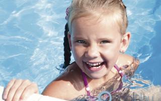 La electrólisis salina para piscinas es una de las mejores opciones de mantenimiento