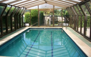 heated-swimming-pool-218657_1280